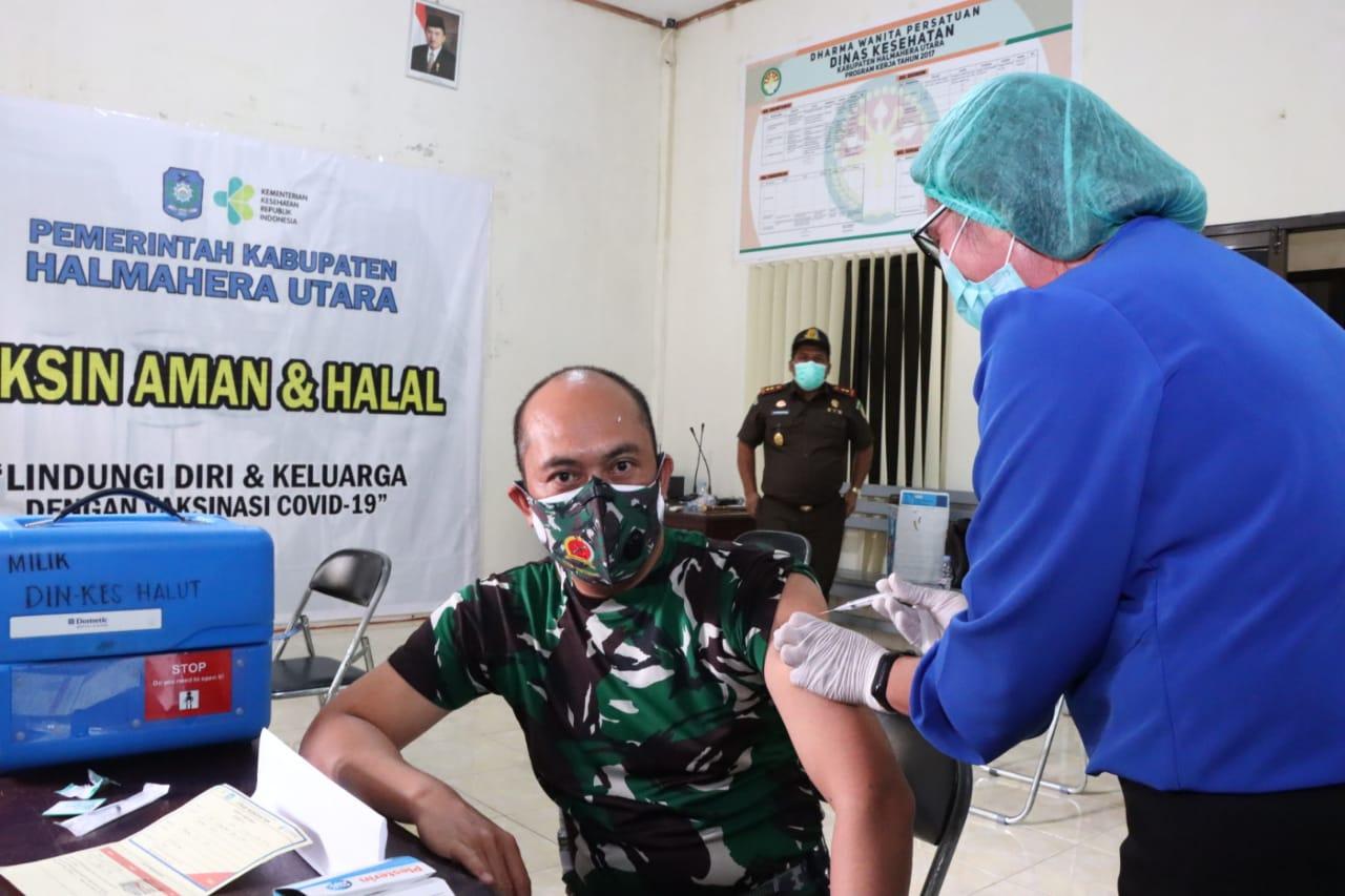Usai Disuntik Vaksin Covid-19 Tahap II, Dandim Sebut Tidak ...
